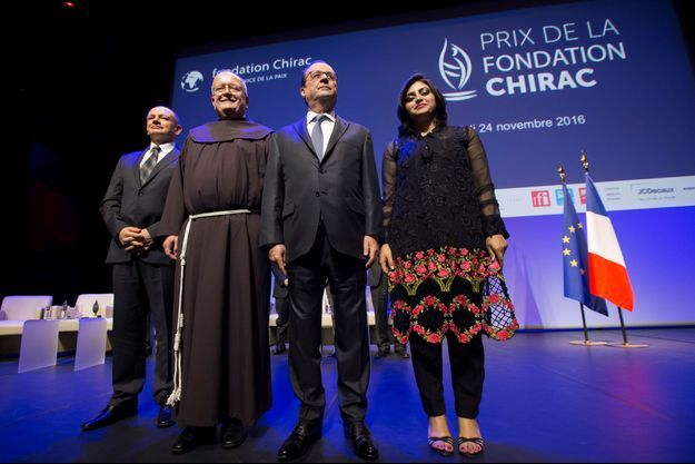 Friar Ivo Markovic, Slobodan Soja, Francois Hollande et Gulalai Ismail, une des fondatrices de l'ONG Aware Girls.