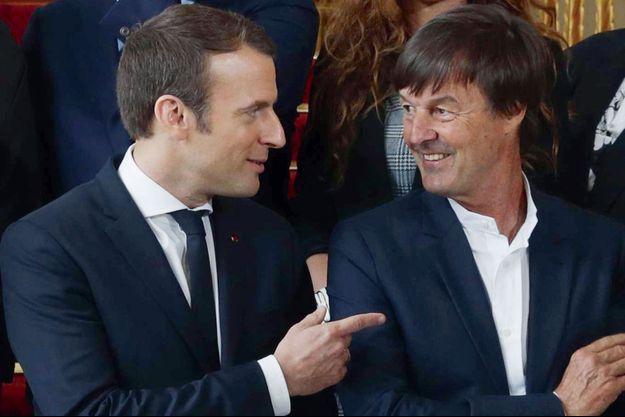 Emmanuel Macron et Nicolas Hulot à l'Elysée, lors de la photo de famille du gouvernement.