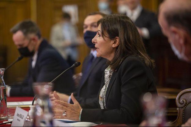 Anne Hidalgo à l'hôtel de Ville de Paris, le 8 février.