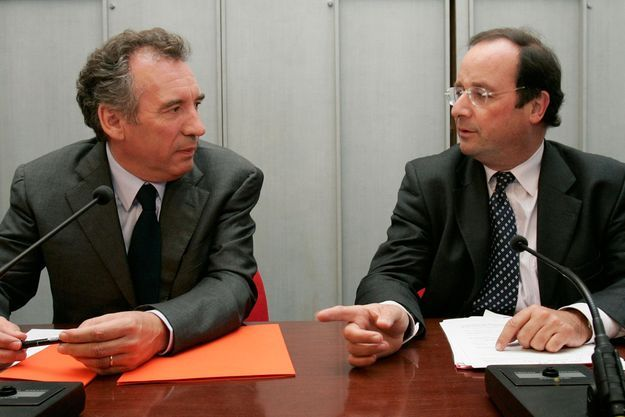 Septembre 2007, François Bayrou et François Hollande lors du meeting du PS à l'Assemblée nationale.