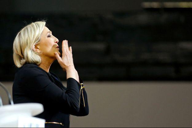 Marine Le Pen le 15 avril, lors de son meeting à Perpignan.