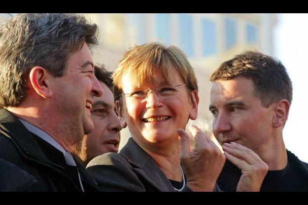 Cette photo prise en 2005 rassemble Jean-Luc Mélenchon, Olivier Besancenot et Marie-George Buffet.