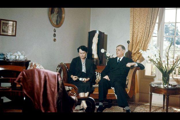 En 1954, dans le salon du rez-de-chaussée à La Boisserie.