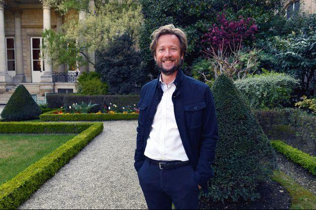 Boris Vallaud dans les jardins de l'Assemblée nationale, le 20 avril.