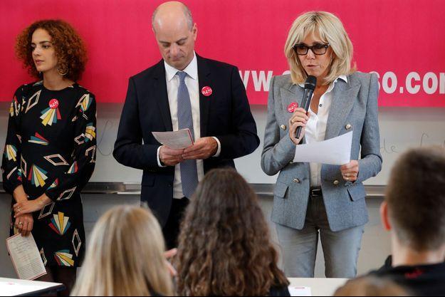 Brigitte Macron avec Jean-Michel Blanquer et Leila Slimani lors de la dictée d'ELA en 2017.