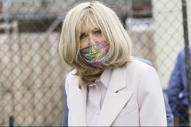 Brigitte Macron, ici à Condom vendredi lors d'un déplacement sur le thème diu Patrimoine avec le chef de l'Etat.