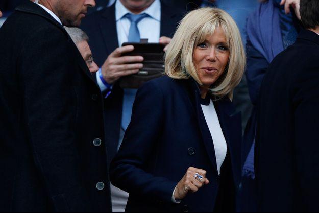 Brigitte Macron, ici la semaine dernière au Parc des Princes à Paris pour l'ouverture de la Coupe du monde féminine de football.