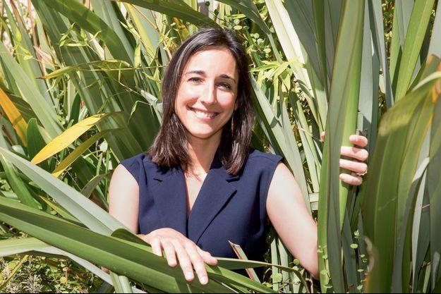 Brune Poirson dans les jardins du ministère à la Transition écologique et solidaire, le 10 juillet.