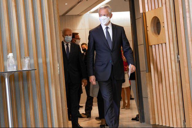Bruno Le Maire lundi en marge d'une réunion à Bercy sur le maintien de quelques aides ciblées pour les entreprises en difficultés.