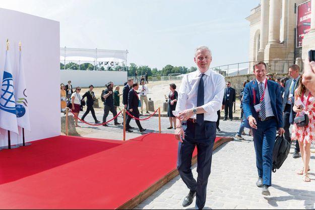 Le 18 juillet, le ministre arrive au sommet à Chantilly (Oise).