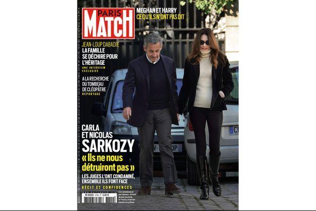 L'ex président et son épouse, sortant de leur domicile, le 7 mars, avant de monter en voiture.