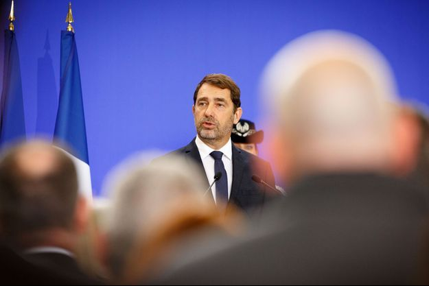 Christophe Castaner lundi lors d'un déplacement à l'école nationale supérieure des officiers de police (ENSOP) de Cannes-Ecluse (Seine-et-Marne).