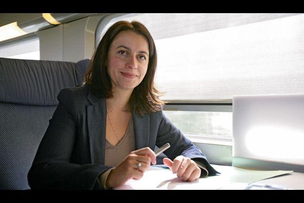 Après plusieurs nocturnes à l'Assemblée où son projet de loi sur la mobilisation du foncier public a été adopté en commission, Cécile Duflot a pris le train le 21 septembre à 7 h 40 pour se rendre au 82e congrès de l'Assemblée des départements de France à Metz.