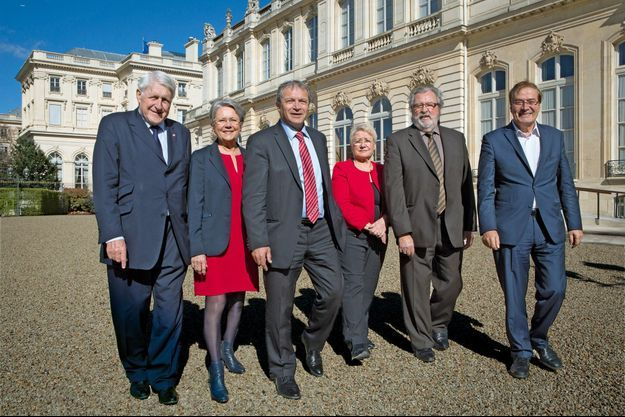 Le 6 avril, les députés Guy Delcourt, Catherine Coutelle, Pascal Deguilhem, Odile Saugues, Vincent Burroni, Pierre-Alain Muet