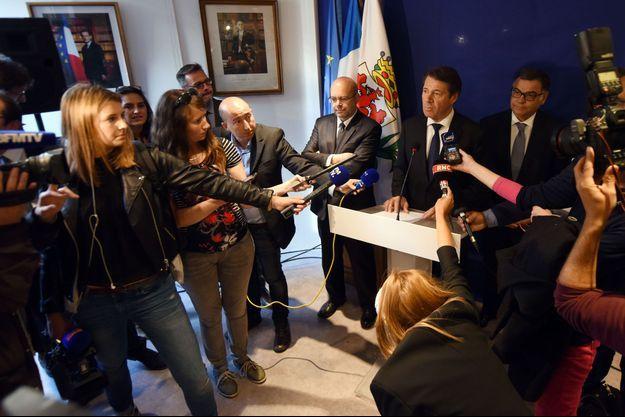 Christian Estrosi à Nice, lundi, lors d'une conférence de presse durant laquelle il a annoncé sa démission de la présidence du Conseil régional.