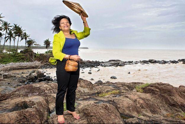 Le 25 décembre, sur la plage où elle se baignait petite, la pointe Buzaré, au nord-est de Cayenne.