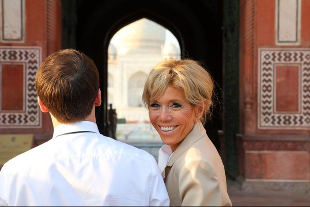 Emmanuel et Brigitte Macron le 11 mars dernier, lors d'une visite du Taj Mahal, en Inde.