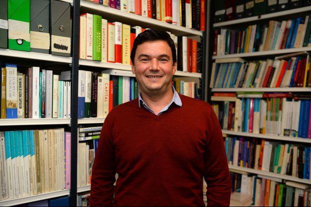 Thomas Piketty en octobre 2016, dans son bureau parisien.