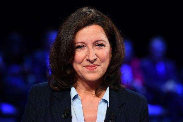 Agnès Buzyn, ici lors d'un débat avec les candidats parisiens, le 10 mars.