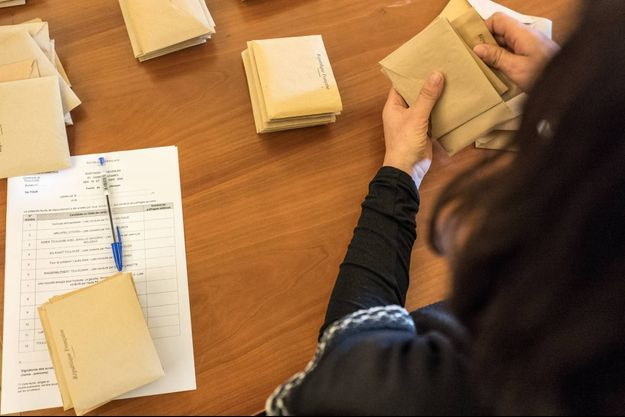 Le second tour des élections municipales a été reporté en raison de la pandémie de coronavirus.