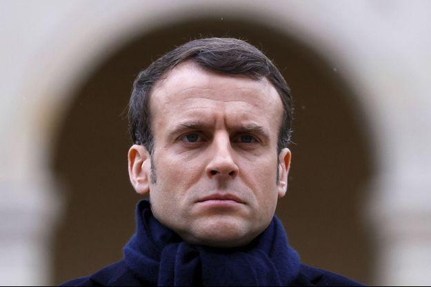 Emmanuel Macron, vendredi aux Invalides, lors de l'hommage à Jean Daniel.
