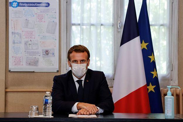 Emmanuel Macron au centre hospitalier René-Dubos de Pontoise.
