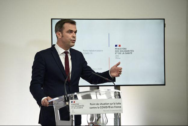 Olivier Véran lors de la présentation des nouvelles mesures.