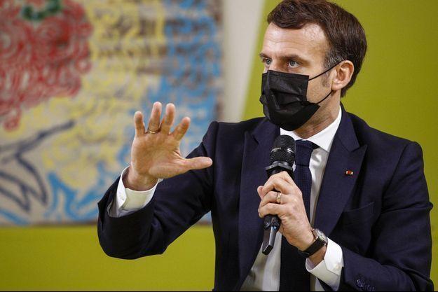 Emmanuel Macron à l'université de Paris-Saclay, dans l'Essonne.