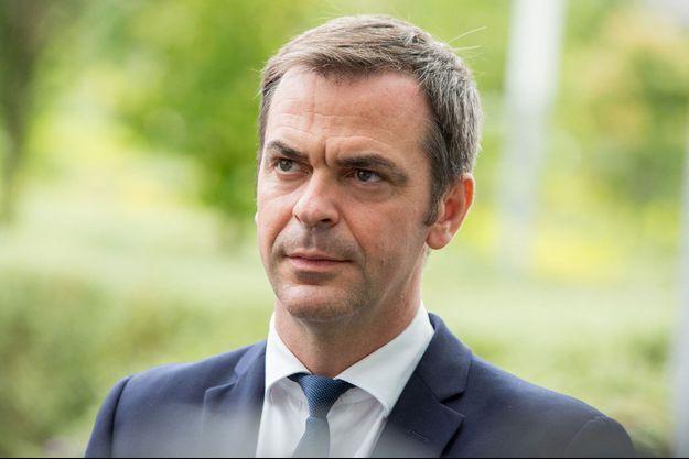 Olivier Véran fin juillet à l'hôpital Necker, à Paris.