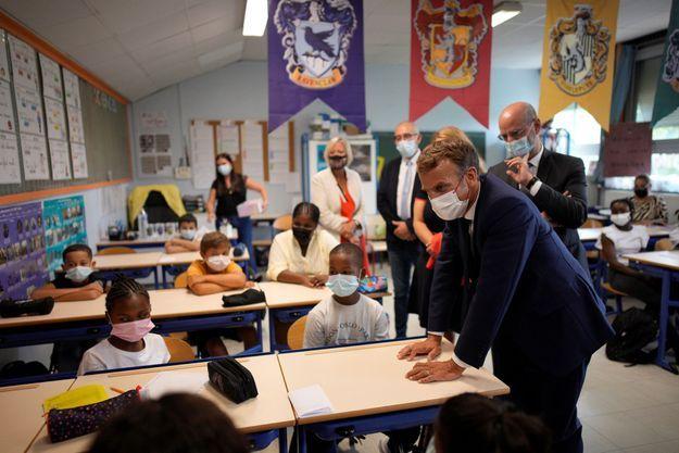 Emmanuel Macron et Jean-Michel Blanquer en visite dans une classe de Marseille début septembre.