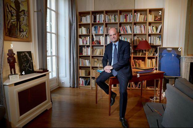 Jean-Michel Blanquer dans son bureau.