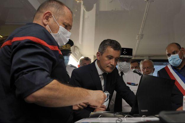 Gérald Darmanin, le 11 juillet, à la rencontre de pompiers près de Perpignan