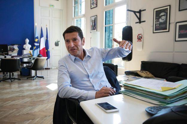 David Lisnard dans son bureau de la mairie de Cannes.