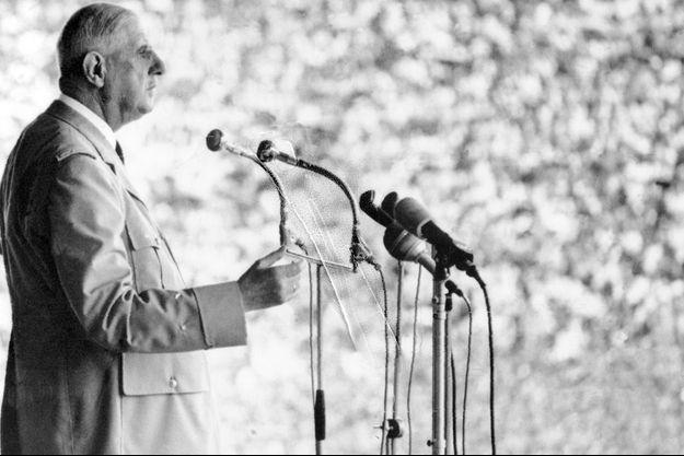 Charles de Gaulle à Pnom Penh au Cambodge, le 1er septembre 1966.
