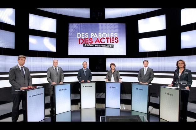 """Les six candidats sur le plateau de """"Des paroles et des actes""""."""