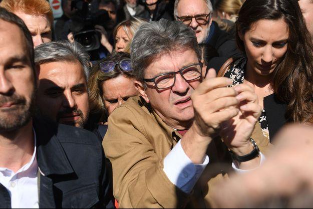 Jean-Luc Mélenchon à la sortie du tribunal de Bobigny.