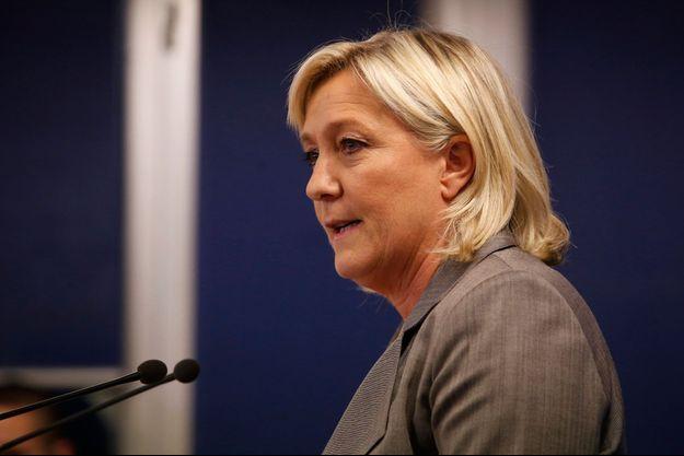 La présidente du Front National Marine Le Pen a fustigé Manuel Valls.