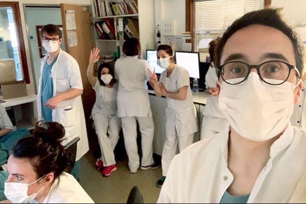 Le médecin urgentiste Thomas Mesnier, député LREM de Charente, et ses collègues de l'hôpital d'Angoulême.
