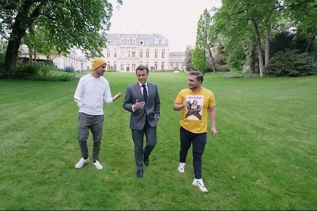 Carlito, Emmanuel Macron et McFly, dans la vidéo publiée dimanche sur YouTube.