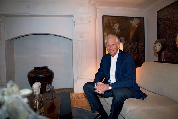 Dominique de Villepin dans son bureau