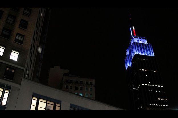 L'Empire State Building est illuminé en bleu, couleur du parti démocrate.