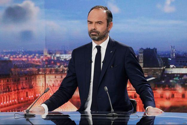 Edouard Philippe sur le plateau de France 2.