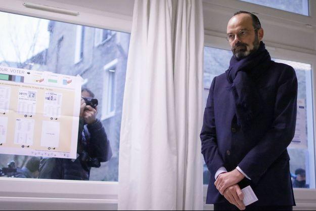Edouard Philippe en train de voter au Havre dimanche.