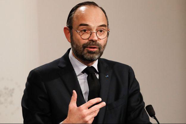 Edouard Philippe encourage les jeunes à participer au grand débat.