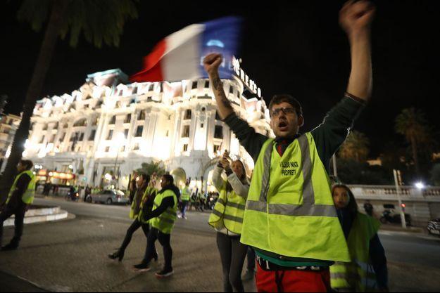 Les gilets jaunes ont manifesté jeudi soir à Nice.