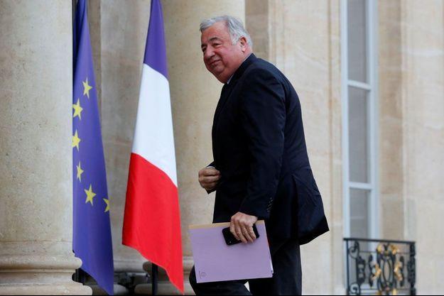 Gérard Larcher sur le perron de l'Elysée.