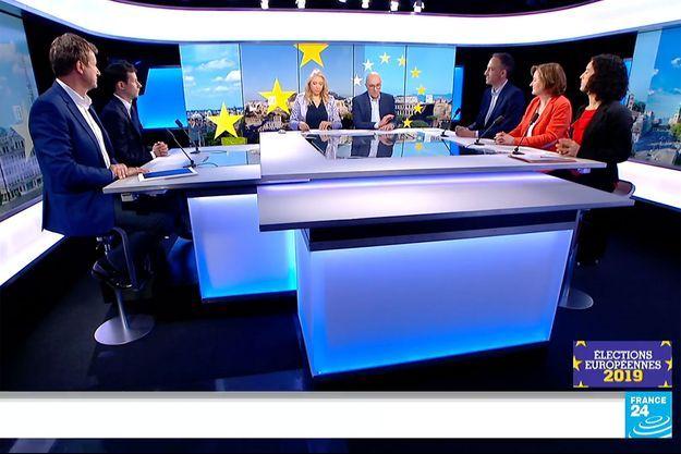 Le plateau de France 24, mardi soir, avec cinq candidats aux élections européennes.