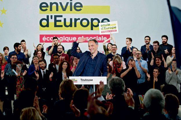 Raphaël Glucksmann lors de son premier meeting sous le couleurs PS-Place publique, le 6 avril à Toulouse.