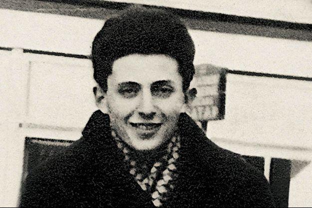 Elie Buzyn, adolescent, en couverture de son livre « J'avais 15 ans. Vivre, survivre, revivre » (éd. Alisio, parution le 10 avril)