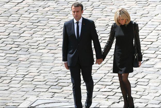 Emmanuel et Brigitte Macron, le 5 juillet 2017 lors des obsèques de Simone Veil.